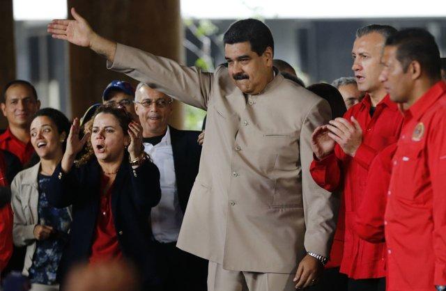 ونزوئلا با بدهی های خود چه میکند
